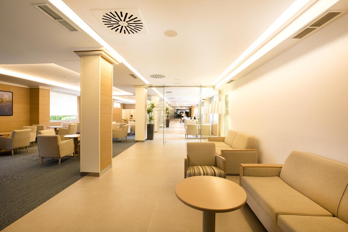 hall_hotel_cosmopolitan_1498680141